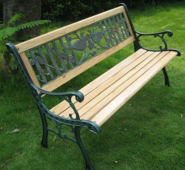 Garden Bench- the Beautiful Scenery in Garden