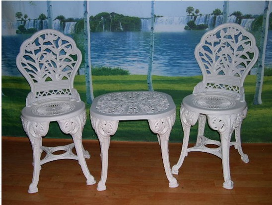 gp511-resin-patio-tables-and-chairs-for-indoors-and-outdoors.jpg